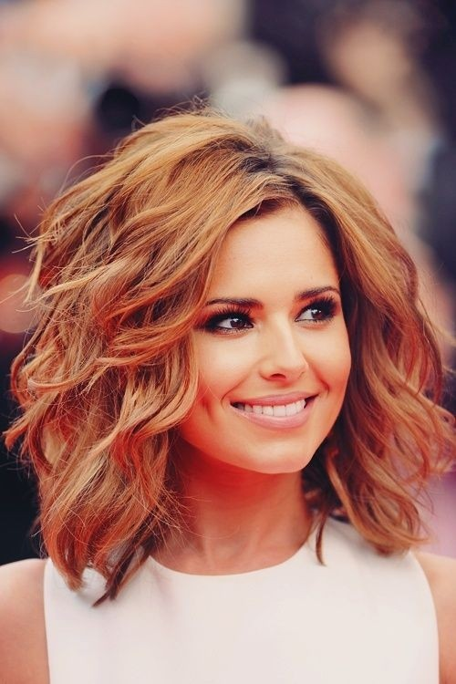 Wispy Medium Length Hairstyle - Loose Wavy Hair