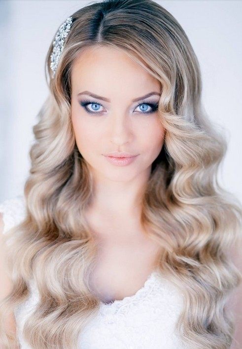 Classy and Elegant Wedding Hairstyles for Long Wavy Hair