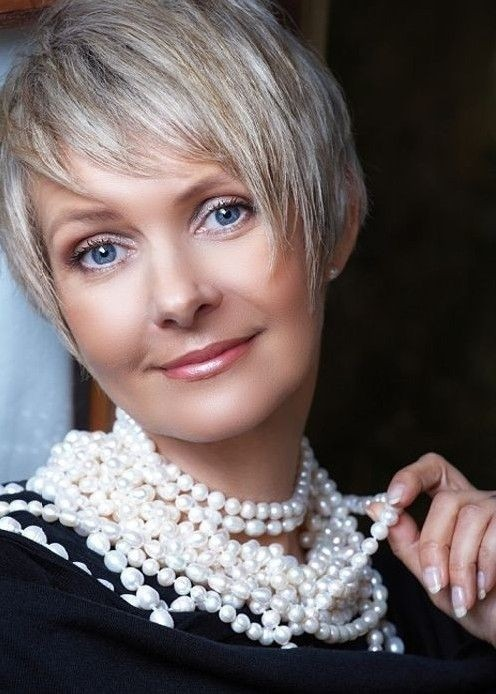 Cute Short Haircuts for Women Over 40 - 50