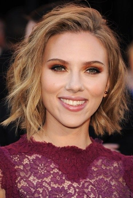 Fashionable Short Wavy Bob Hair Cut - Shaggy Bob Haircut Ideas