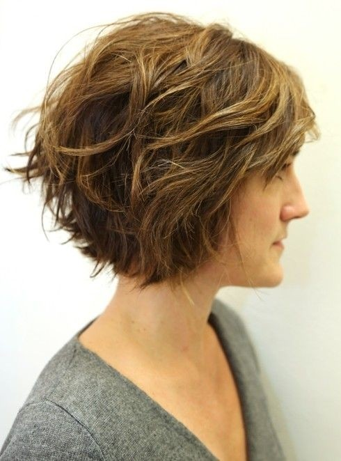 Layered Wavy Bob - Shaggy Bob Hairstyle Ideas