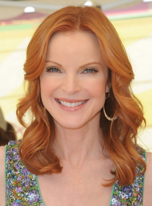Marcia Cross Wavy Hair Style - Medium Haircuts for Women Over 50