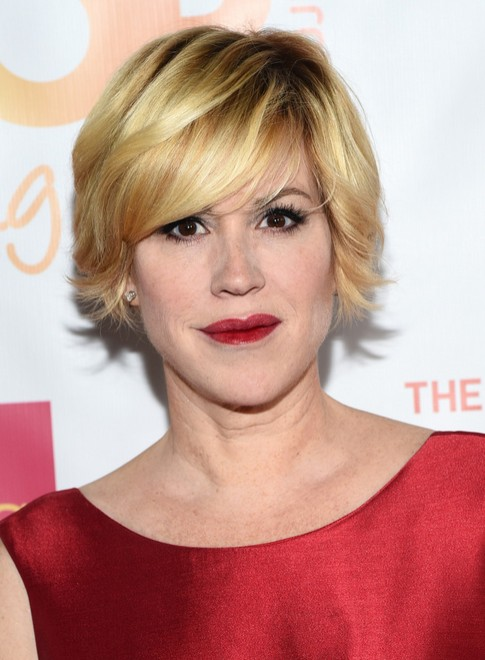 Molly Ringwald Short Layered Razor Hair Cut - Women Over 50 Hairstyles