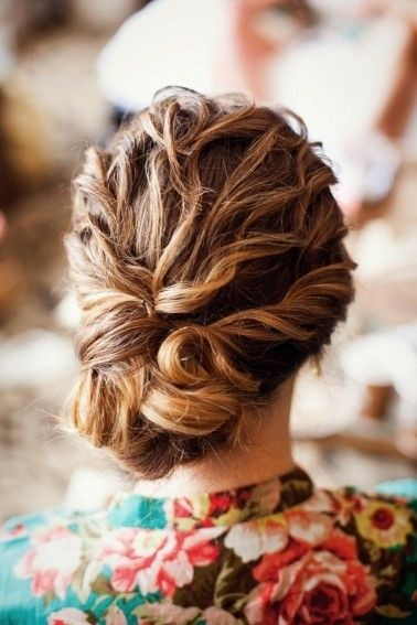 Romantic Vintage Wedding Updo Hairstyles