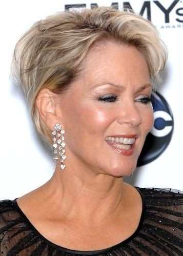 Wondrous 35 Pretty Hairstyles For Women Over 50 Shake Up Your Image Amp Come Short Hairstyles Gunalazisus