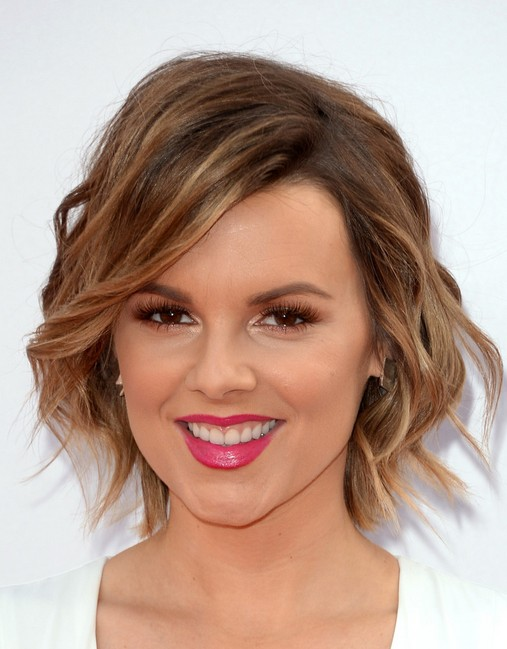 Ali Fedotowsky Short Hairstyle - Cute Layered Wavy Haircuts for Short Hair