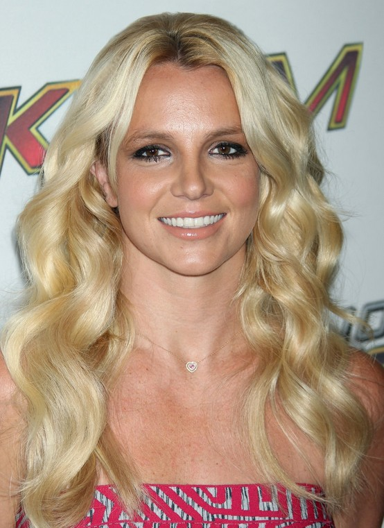 Britney Spears wears mermaid waves: Long Wavy Hairstyle