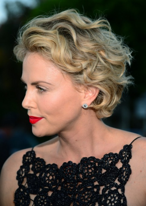 Charlize Theron Short Hairstyle - Casual Messy Short Haircut ...