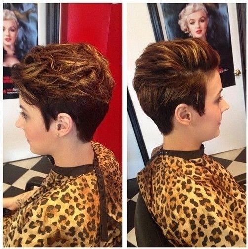 Chic, Bureau de Coiffures pour les Cheveux Courts