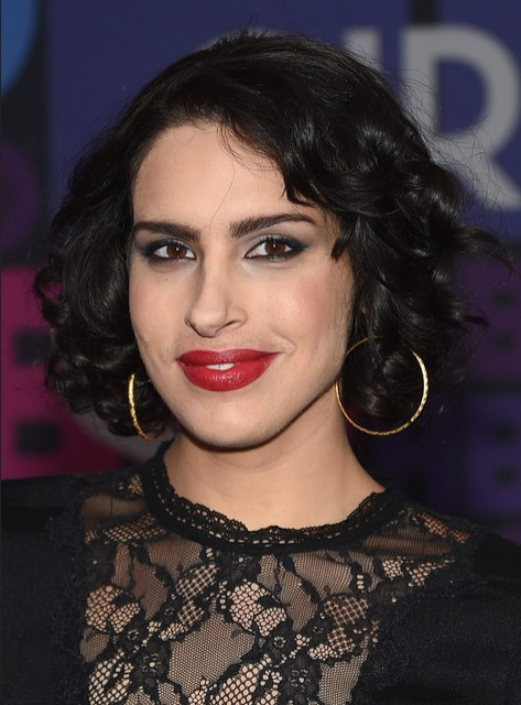Desiree Akhavan Short Hair Style: Celebrity Short Haircuts