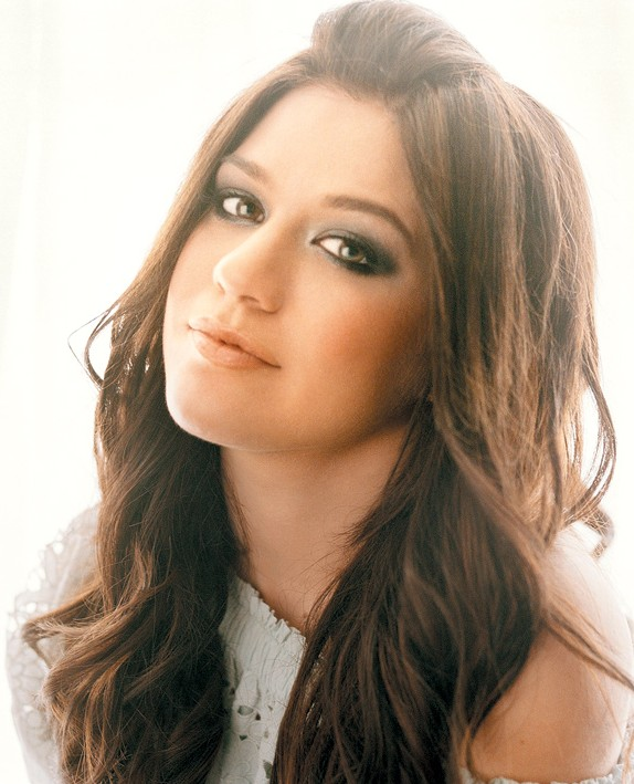 Kelly Clarkson Long Hairstyle