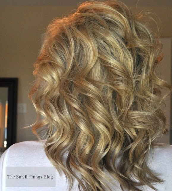Layered Curly Hairstyles Back View - Medium Haircut Ideas