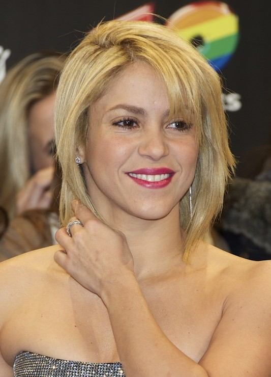 4 Stylish Shakira Hairstyles Popular Haircuts