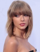Taylor Swift Medium Hair Style - Straight Medium Haircuts with Bangs