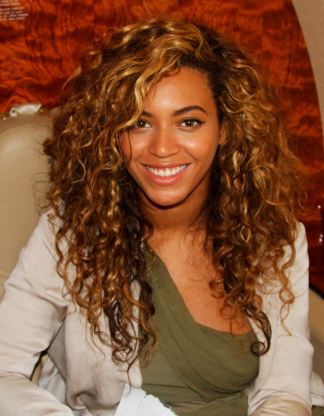 Beyonce Knowles Curly Long Hairstyle Beyonce Knowles
