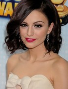 Cher Lloyd Medium Haircut: Loose Curly Hair Styles