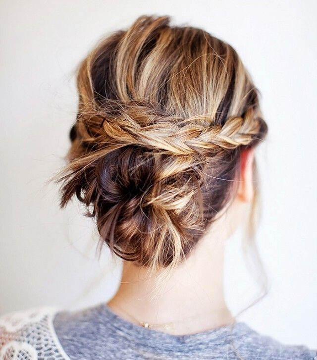Cool Updo Ideas for Women with Shoulder Length Hair