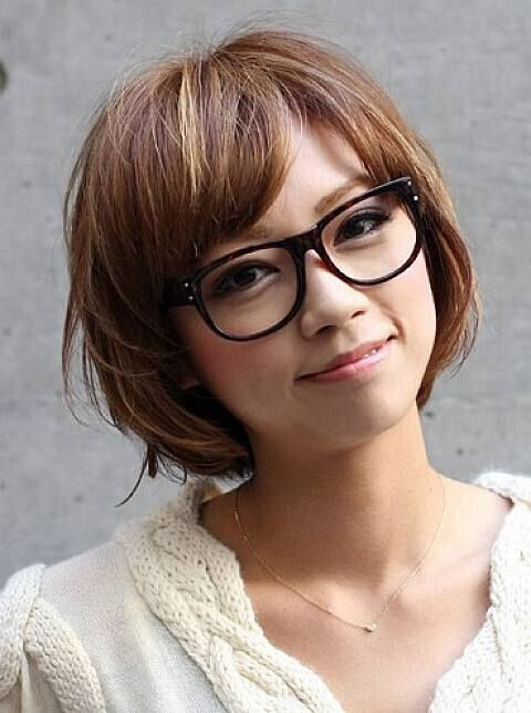 Cute Bob Hairstyle for Girls with Round Faces and Glasses