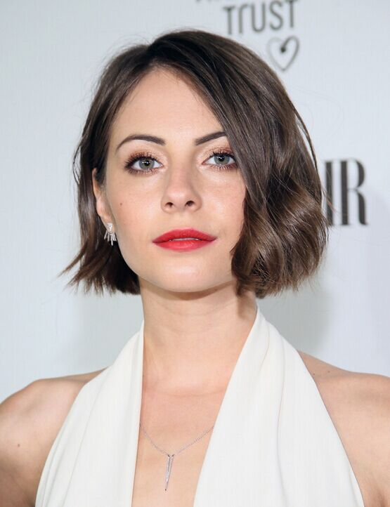 Willa Holland Short Haircut   Wavy Bob Hairstyles For Women