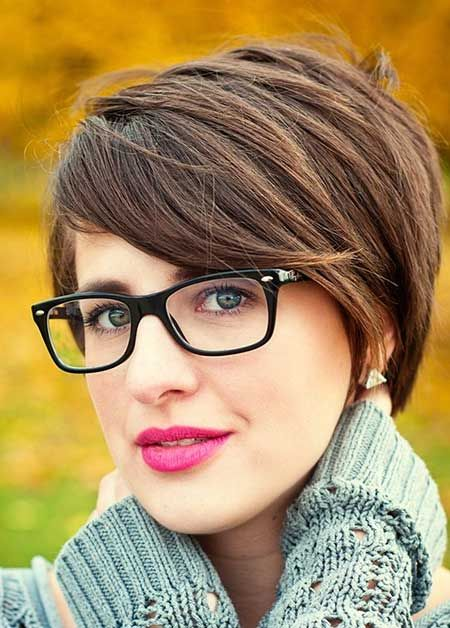 Office Hairstyles for Women Short Hair
