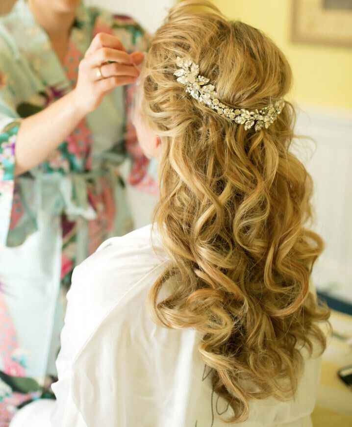 15 latest half up half down wedding hairstyles for trendy brides popular haircuts. Black Bedroom Furniture Sets. Home Design Ideas