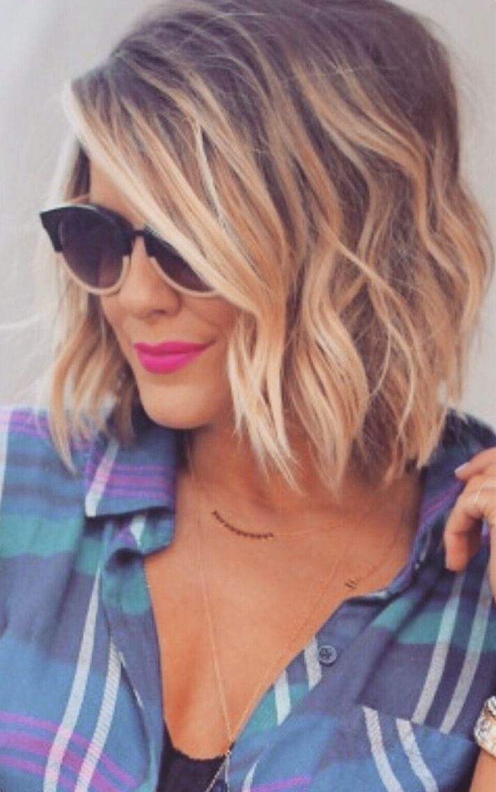 Ombre Wavy Hairstyles for Medium Length Hair / Via