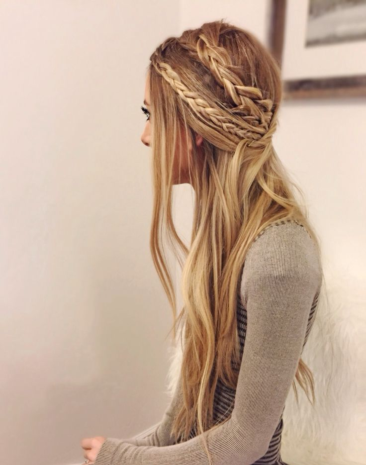 26 Boho Hairstyles With Braids Bun Updos Other Great New Stuff To Try Out Popular Haircuts