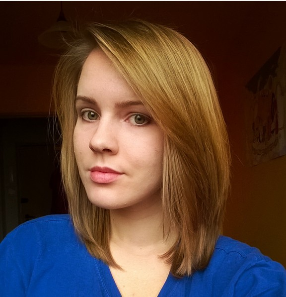 Cute Medium Bob Haircut for Straight Hair