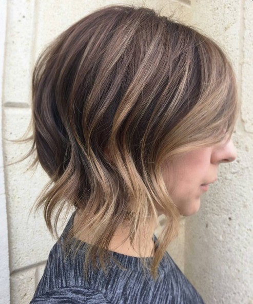 Super-Fresh Hairstyles for Brown Hair with Caramel Highlights