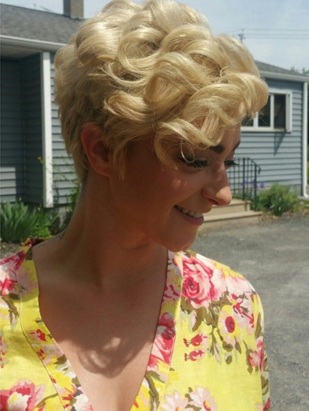Cute Blonde Pixie Hairstyle for Women
