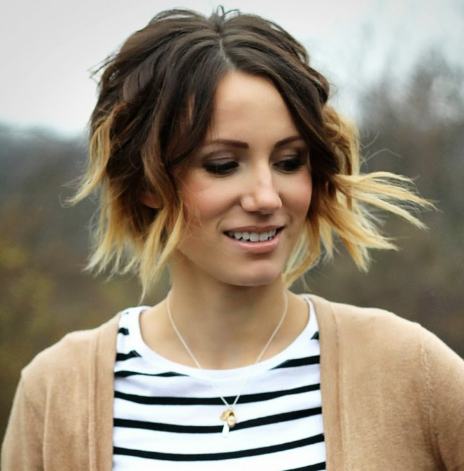 Cute short curly ombre bob hairstyle for fall