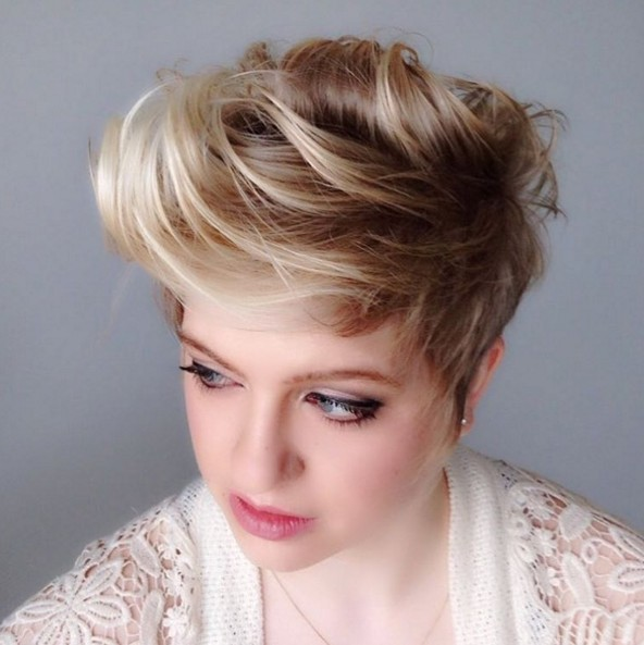 Messy Short Haircut - Easy Everyday Hairstyles