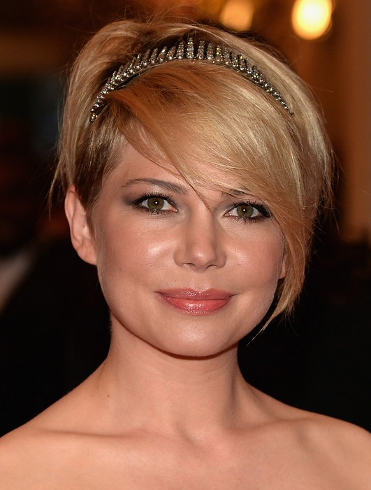 Michelle Williams Short Hair with Headband for Round Faces