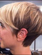 Side-View-of-short-pixie-cut-for-fine-hair