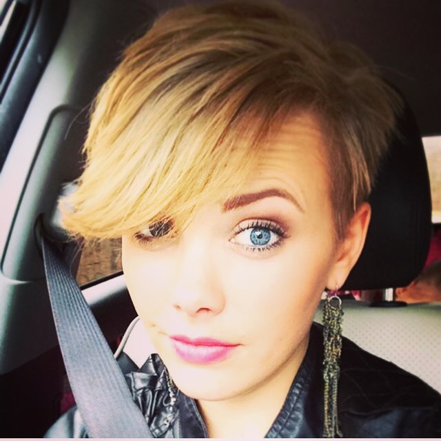 pixie haircut with long bangs 21 lovely pixie cuts with bangs popular haircuts 9996 | blonde pixie cut with long bangs