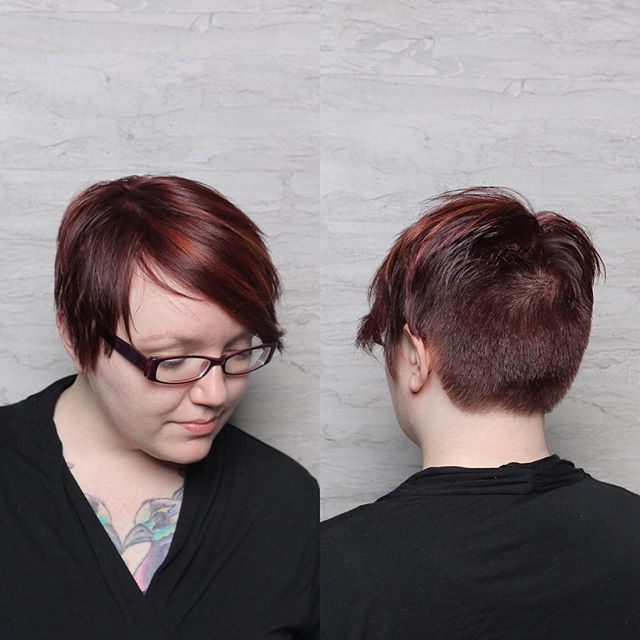 short red pixie haircut for round faces
