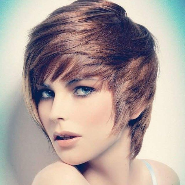 21 Lovely Pixie Haircuts Perfect For Round Faces Short Hair Styles