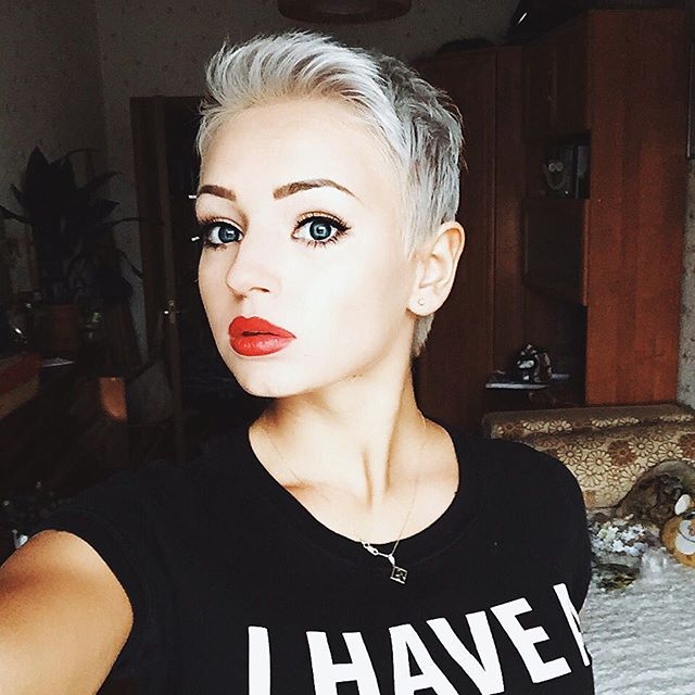 Marvelous 21 Lovely Pixie Haircuts Perfect For Round Faces Short Hair Short Hairstyles For Black Women Fulllsitofus