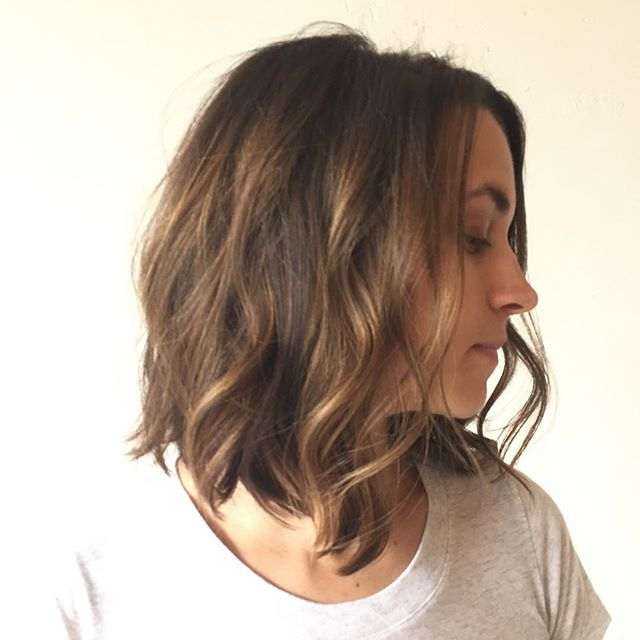 layered messy bob hairstyle for medium thick hair