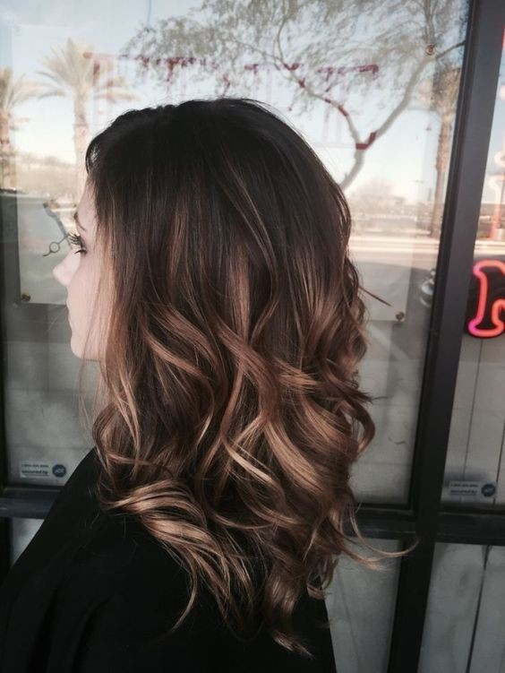 Balayage hairstyle, medium brown with blonde balayage