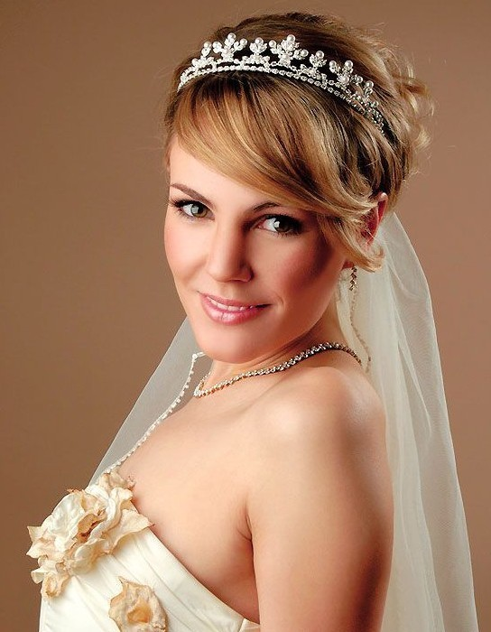Bride Short Hairstyle with Bangs
