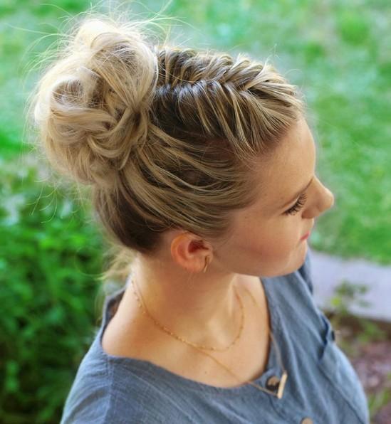27 Super Trendy Hochsteckfrisur Ideen für mittellanges Haar