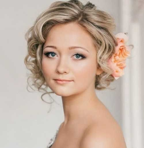 Wedding Hairstyle with Short Curls