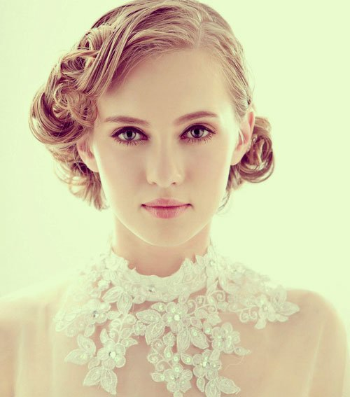 23 Evergreen Romantic Bridal Hairstyles: 23 Perfect Short Hairstyles For Weddings: Bride Hairstyle