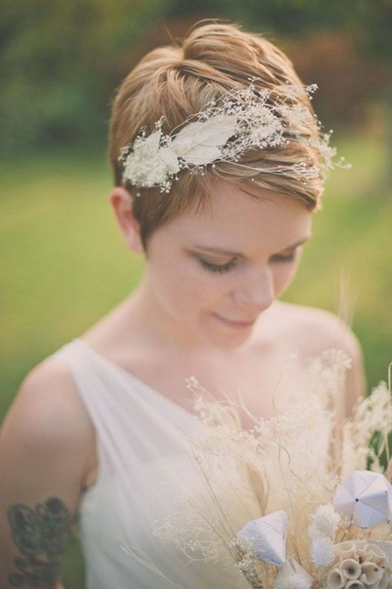 23 Perfect Short Hairstyles for Weddings: Bride Hairstyle Designs ...