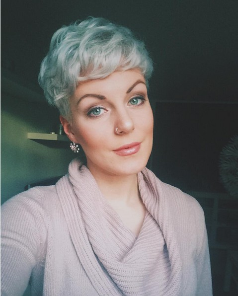 Balayaged Pixie Haircut - Wavy Short Hairstyle for Long Face Shape