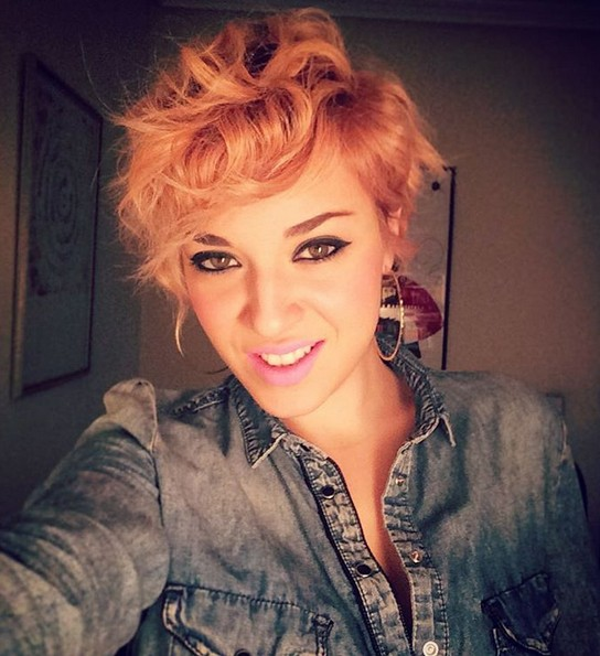 Messy Wavy Pixie Haircut with Heart Face Shape - Short Hairstyle Ideas for Thick Hair