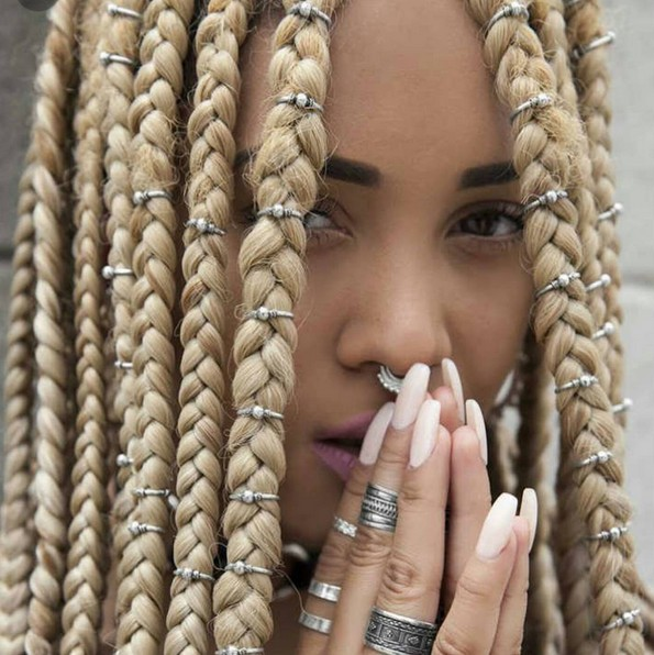 Box Braids Hair Styles with Accessorize - Blonde Braid