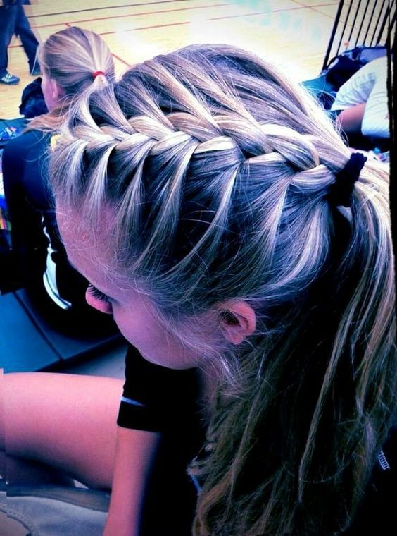 Cute Easy Hairstyle with Braid - Trendy Easy Hairstyles for School