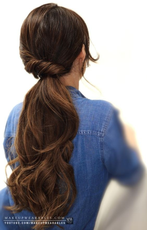 Low ponytail hairstyle with a twist